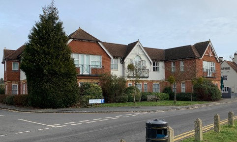 The building is prominently situated overlooking West Common, close to its junction with Packhorse Road, the main Gerrards Cross thoroughfare. Shops, hotel, banking facilities and restaurants are close by. Gerrards Cross is an affluent commuter town,...