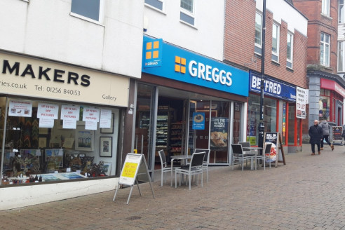 Prominent Retail Unit, With Potential For Restaurant/Take Away (STPP)