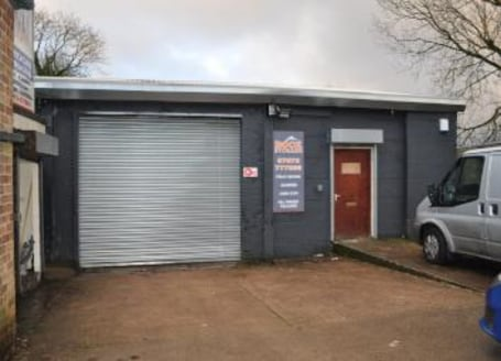 Storage pods / workshops / industrial / retail units with yard / loading area rentals inclusive of electricity & free Wi-Fi....