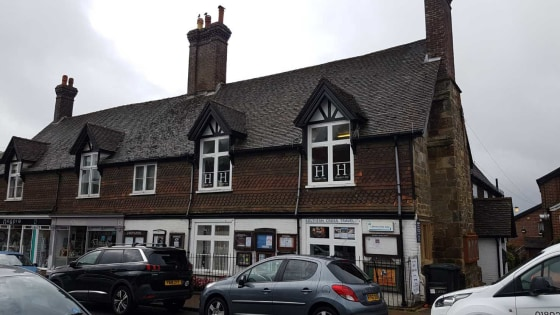 This office is on the first floor of an attractive Grade II listed building, overlooking the High Street.\n\nThere are communal WC facilities and a shared kitchen at the end of the hall....