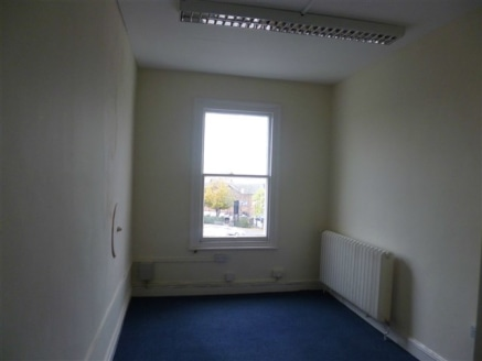 Range of small office suites to let on flexible...