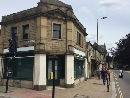 The property briefly comprises a two storey retail unit of stone construction and benefits from excellent frontage onto the busy main A646 New Road and Bridge Gate. The ground floor benefits from fluorescent strip lighting, kitchen, air conditioning,...