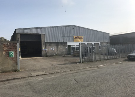The premises comprise a single storey industrial warehouse unit constructed on a steel portal frame with brick and clad elevations under a corrugated sheet roof. The building is available on a new...