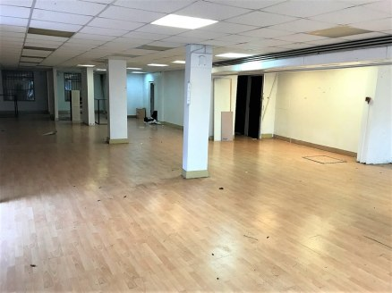Full details\n\nLOCATION\nThe property is siituated in a prominent corner position in the town centre of Hyde facing the Central Market Hall Buidlings. It was previously a discount food store and furniture store & is currently available with vacant p...