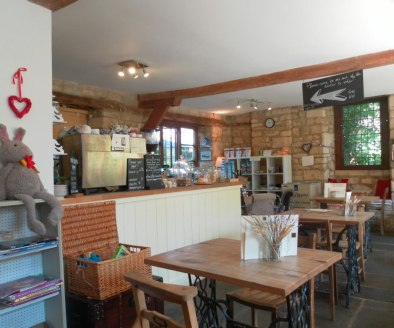 Licensed Coffee Shop & Cafe Located In Chipping Campden\nRef 2388\n\nLocation\nThis delightful Coffee Shop & Cafe is located in the highly desirable Cotswold tourist hotspot of Chipping Campden. Positioned within a beautiful Grade II* listed Cotswold...