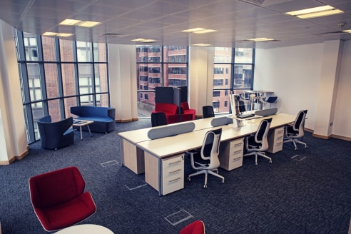 ONLY 3 SUITES LEFT!   HIGH GRADE SERVICED OFFICES TO LET  FROM 276 SQ FT - 436 SQ FT  ALL INCLUSIVE RENTS  FLEXIBLE TERMS   MEETING ROOM HIRE  SHOWER FACILITIES  HIGH SPEED FIBRE INTERNET CONNECTION  City Quadrant provides high specification modern o...