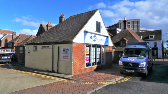 This ground floor lock-up shop provides a sales area of a little under 500 sq ft. It benefits from aluminium framed display windows to the front, a laminated timber floor, fluorescent strip lights and window spot lights, air conditioning and night st...