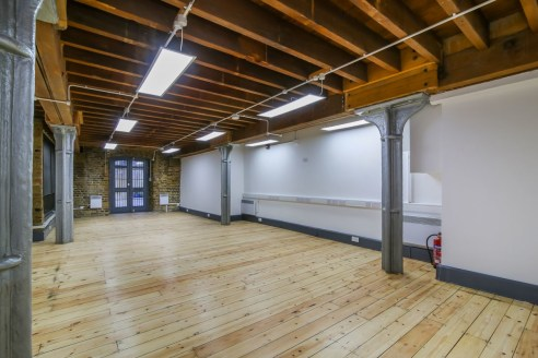 SE1. NEW CONCORDIA WHARF. 713 sq ft. A newly refurbished, ground floor office situated within the award winning New Concordia Wharf. The office benefits from numerous character features including wood flooring, beams, exposed brick walls and metal co...