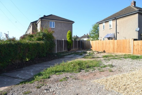 An excellent opportunity to purchase a plot of land in Mackworth with PLANNING PERMISSION GRANTED for a TWO BEDROOM DETACHED HOUSE with off road parking. THE BUILDING PLOT CAN ALSO BE PURCHASED WITH THE ADJOINING PROPERTY.