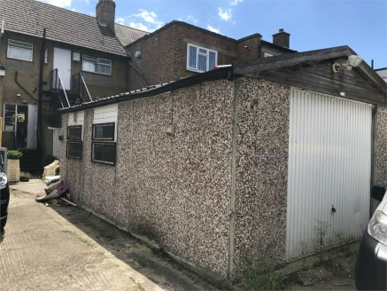 Commercial property for rent\n\nalexandra park is pleased to offer this large garage located very close to South Harrow Station. The garage has light and power and is ideal for a workshop or storage. Accessed via rear service road. Approx 270 sqft......