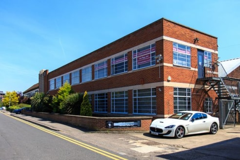 With over 20 office units available on short, medium and longer term let. We offer flexibility and affordability for small businesses in and near Borehamwood....