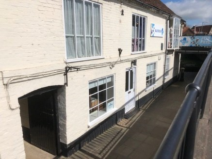659 sq ft\n\nGround Floor Retail / Office / Showroom Premises\n\nThe property is a single office suite which can be used for a variety of purposes including retail, showroom etc.\n\nThe current tenant has divided the space to create a boardroom area...