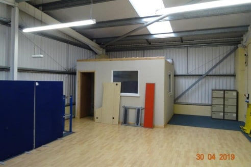 Modern industrial/warehouse unit