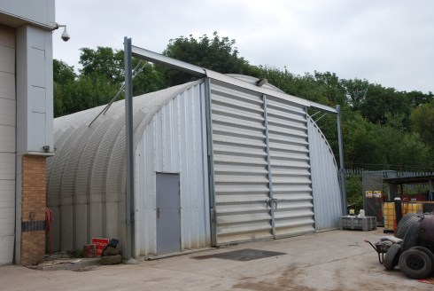 The property comprises a high quality modern detached hybrid industrial unit within a generous secure and self contained site extending to 1.5 acres.