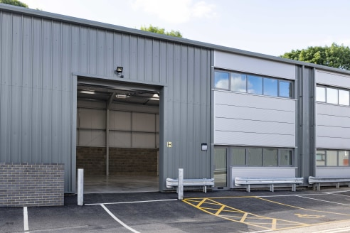 DESCRIPTION:\n\nUnit 3a is an attractive mid terrace industrial/warehouse unit of steel portal frame construction with block/metal clad elevations under an insulated roof. The property benefits from three phase power, high bay lighting an electronic...