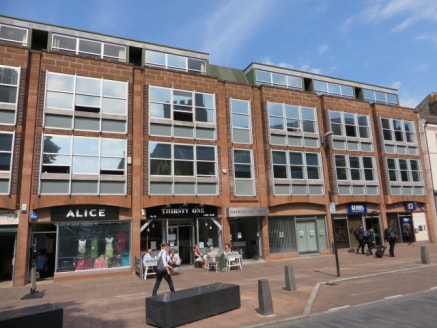 Stocklund House is a city centre office building in Carlisle, providing a range of floor plans with on-site designated car parking. First Floor LET Second Floor Front 5,945 sq ft(552.33 sq m) Second Floor Rear 3,485 sq ft(323.75 sq m) Third Floor Fro...