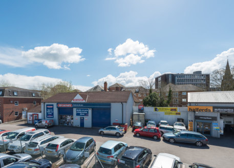 The unit is located around 500m from the main retailing area of the town centre and close to a number of pay an display car parks. The accommodation was previous used as a trade counter unit, with the neighbouring unit being a Halfords Autocentre....