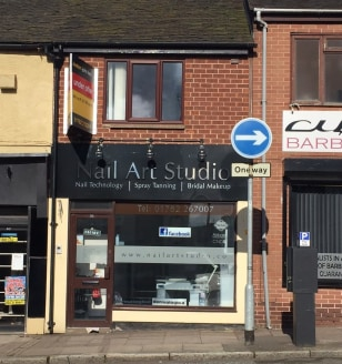 A well-presented Town Centre retail premises having previously been used as a hairdressing salon.