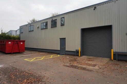 Modern Warehouse Unit to Let on a Short Lease/Storage Agreement\nClear Area, with Parking and Loading Facilities\nRoller shutter access\nTotal Area Approx. 476....