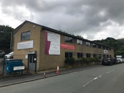 The property comprIses two storey offIce accommodatIon and a sIngle storey IndustrIal unIt. The offIces have been refurbIshed to a good specIfIcatIon and are currently fully let on two separate tenancIes. The total net Internal area of the offIces eq...
