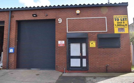 The property comprises part of a terrace of single-storey industrial units, of steel portal frame construction with external cladding of brickwork and profile metal sheet roofing. The building offers the following features: