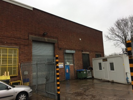 PromInently located property on the Worcester TradIng Estate * Workshop of 418 m sq (4,793 sq ft) * SIte offIces of 14 m sq (150 sq ft) * Located wIthIn 1 mIle of Worcester centre * Close to J6 of the M5 Property DescrIptIon The subject property Is s...