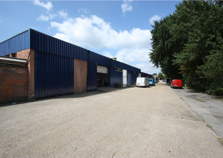 Industrial /Warehouse Unit  Total 295.6 sq m (3,182 sq ft)
