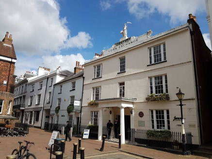 A Grade II listed building with self-contained offices over the first and second floors. The self-contained access is directly from Lower Pantiles.\n\nThese offices are currently arranged as 5 separate offices on the first floor and a further 3 offic...