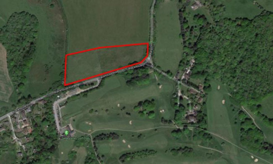 This site of approximately 4 acres is a level area of land and is roughly rectangular in shape and has visible boundaries  to all sides and benefits from secure fencing and 5 bar timber gate which fronts onto Blackhouse Hill. It would be suitable  fo...