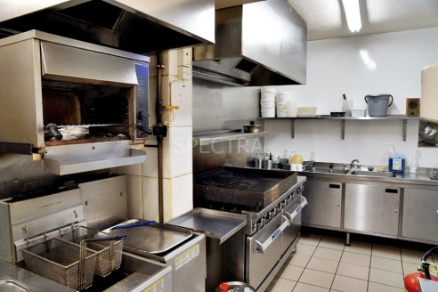 <p>A unique opportunity to acquire an established Caf� in Kings Heath, Birmingham. Absolutely fantas