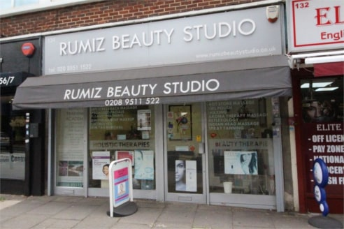 A 620 square foot A1 retail shop unit on the High Street, central Edgware, and which has been recently refurbished. The premises is licenced for A1 use, however the landlord is open to a discussions concerning a change of use to A2 or A3....