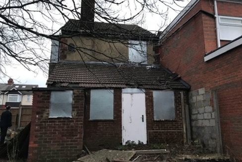 London Properties are pleased to offer to the market this end of terrace dilapidated shop unit with 2 bedroom upper parts. Property in need of improvement Land is accessed to side and rear of property and also contains derelict garages and potential....