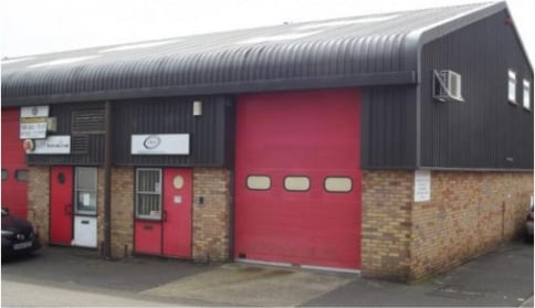Industrial unit with offices at first floor