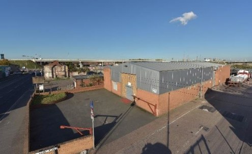 Established trade location near Mersey Gateway Bridge. Two ground level access loading doors and dedicated parking. Modern unit with 5.1m eaves. Excellent access to M62/M57/M56. 3 phase electricity supply.