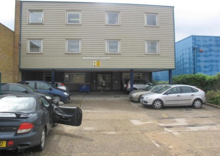 UNIT 11. OFFICE situated on the first floor on this office block in the POPULAR PINNACLES INDUSTRIAL ESTATE. Rent inclusive of rates & electricity. Use of communal toilets and kitchen. The building also benefits from SECURITY SYSTEM ENTRANCE AND 24 H...