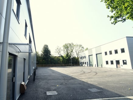 Units C, E & F Crescent Trade Park Redditch are just 5 minutes from junction 3 of the M42 and provide new industrial units to let or for sale in Moons Moat North. The industrial units benefit from prominent Moons Moat Drive road frontage, adjoining a...