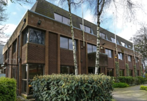 TO LET: Self-contained Office Suites from 172 SQ FT - 4,736 SQ...