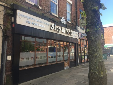 Restaurant unit comprising 1,646 sq ft to let in Chester.  The property is located on Foregate Street, with a number of surrounding food retailers in the near vicinity include Rubens, Subway and Wok & Go.  The premises are available by way of a new F...