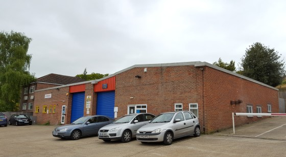 Warehouse / Trade Counter Opportunity  Approximately 361.02 sq m (3,886 sq ft)  TO LET