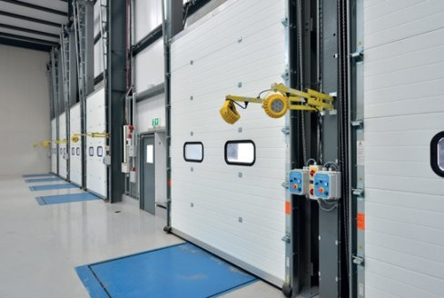 A 20,000 high bay warehouse unit which has recently undergone an extensive refurbishment\n\n* a brand new roof\n* new cladding to all elevations\n* a new warehouse floor\n* an extensive refurbishment throughout\n* 9.1 metre eaves\n* 1 level access lo...