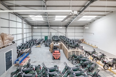 Dunscar Business Park is a well established Business Park comprising 19 units in total, varying in size and use and extending to approximately 100,000 sq ft of accommodation. The Business Park has, in recent years, undergone an extensive refurbishmen...