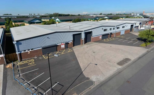 1 Electronically operated , sectional up and over loading door that is 5m high x 3.5m wide. 8m clear eaves height to the underside of haunch. High quality two storey offices. The warehouse floor slab has a floor loading of 40 kN/m and a single leg po...