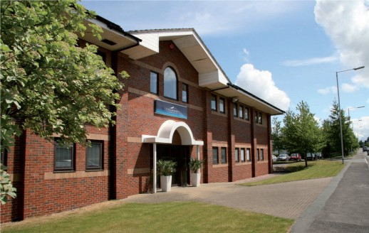 Thursby House is a modern office building with 20 serviced and professionally managed executive office suites, ranging from 100ft to 1500 ft.   The Business Centre hosts an impressive central reception area, meeting rooms, a private lounge and the la...