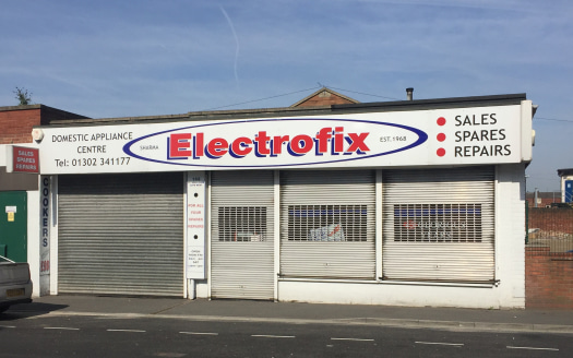 A substantial and flexible property suitable for a variety of uses including retail, workshop or other uses subject to consent. The property was last used for the sale and repair of domestic appliances, the layout is flexible and is currently partiti...