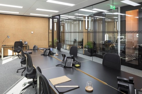 FRESH CONTEMPORARY OFFICES AVAILABLE. The building has RECENTLY BEEN RENOVATED.Terms can be from as little as three months. Rent price includes rates, service charge and building insurance. There is also 24 HOUR ACCESS and EASY ACCESS to public trans...