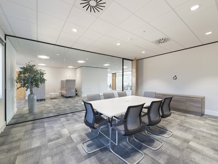 Kings Court provides refurbished offices to let within Birmingham Business Park, one of the most established out-of-town office locations in the Midlands and boasting an impressive range of occupiers including Orange, Fujitsu, IMI plc, Ericsson, Soft...