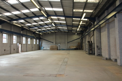 HIGH BAY warehouse with three storey offices in Birmingham CITY CENTRE - Total (GIA) 10,179 ft2 (945.65 m2)...