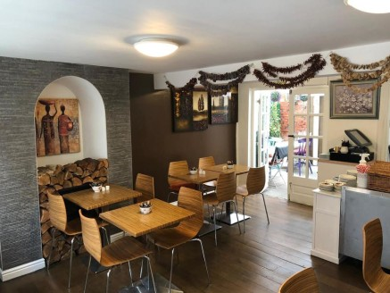 Licensed Cafe/Coffee Shop For Sale\nLocated In Stratford Upon Avon Town Centre\nTripAdvisor # 4.5 Rated Tearooms & Coffee Shop\nFacebook 4.9 From 5 Rating\nRef 2342\nLocation\nThis outstanding Cafe is located in the heart of Stratford Upon Avon town....