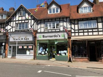 *UNDER OFFER* 3A Market Place, Chalfont St Peter, Bucks SL9 9EA