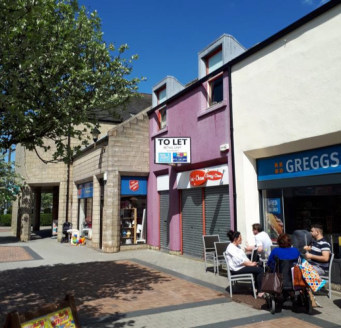 "<p>A popular shopping centre located in Penicuik, approximately 10 miles south of Edinburgh City Centre. A popular commuter town and resident population of approximately 17,000. Free customer parking is provided.</p><ul>  <li class=""p2"">WELL CONFIGUR..."